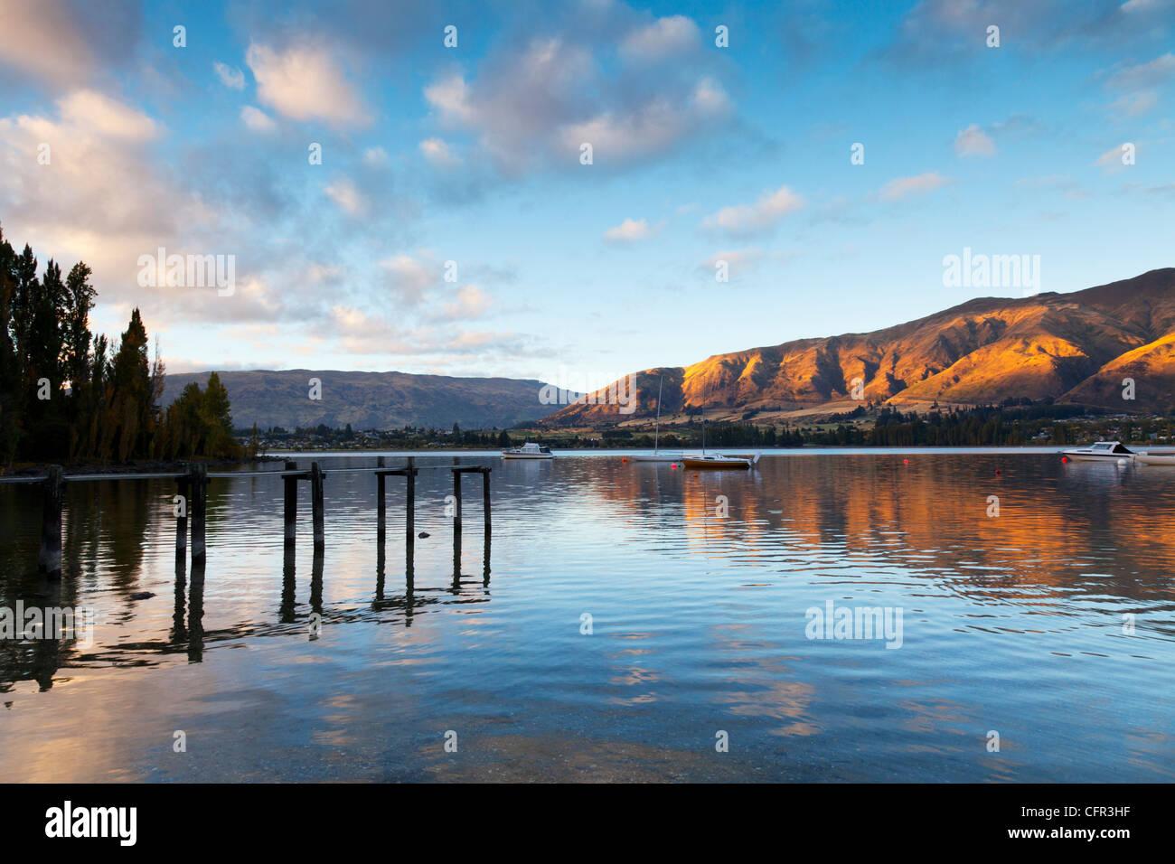 Am frühen Morgen am Lake Wanaka, Otago, Neuseeland. Stockfoto