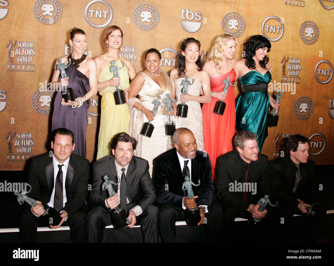 Cast Of Greys Anatomy Stockfotos & Cast Of Greys Anatomy Bilder - Alamy