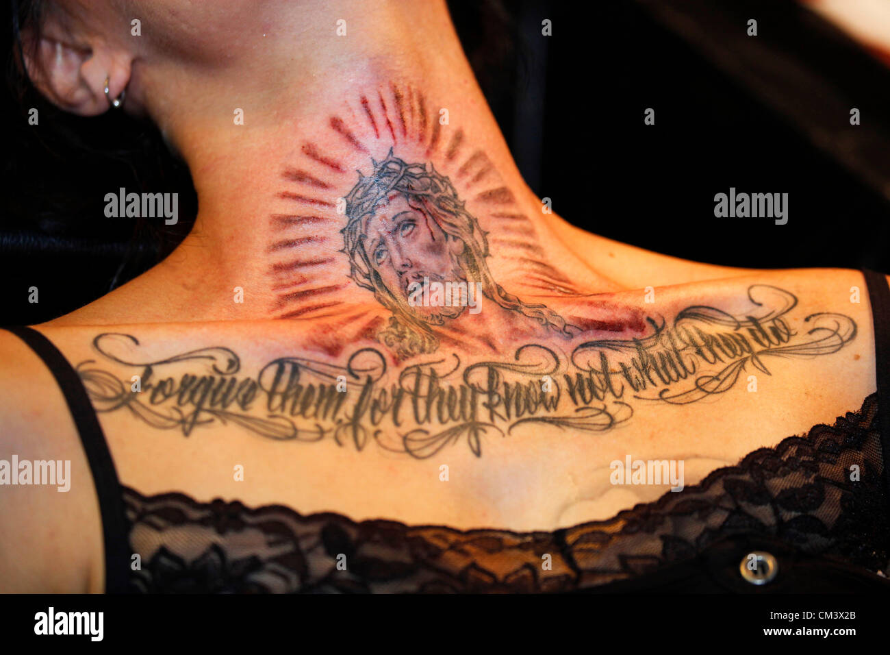 jesus christ tattoo stockfotos jesus christ tattoo bilder alamy. Black Bedroom Furniture Sets. Home Design Ideas