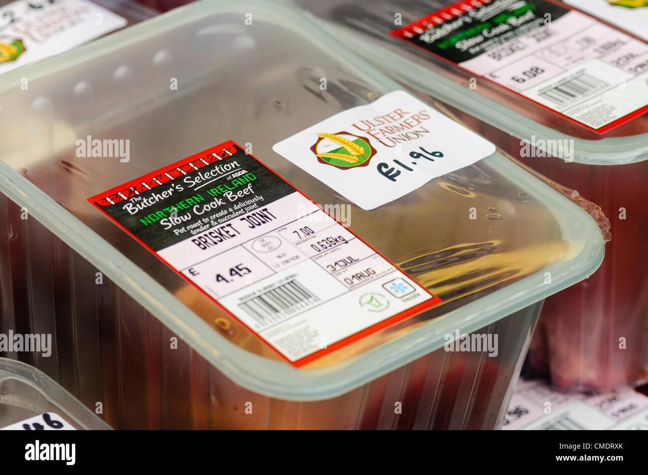 Nordirland, Belfast, Rindfleisch 26.07.2012 - Verkauf für £ 3,08/kg statt der Supermarkt-Preis von £ Stockbild