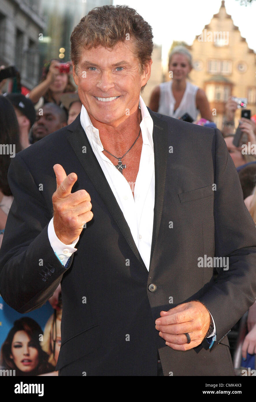 "London, UK. 20. August 2012. David Hasselhoff bei der Weltpremiere von ""Keith Lemon Films"" im Odeon West End, Leicester Stockfoto"