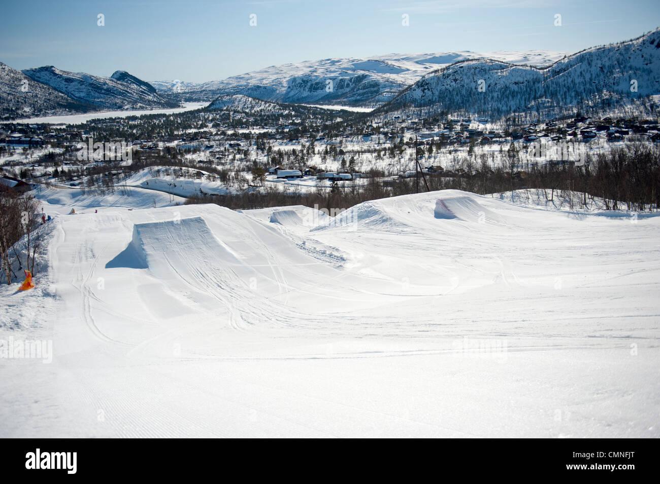 Die Freestyle-Park auf der Piste im Skigebiet Hovden in Süd-Norwegen-Setesday Stockbild