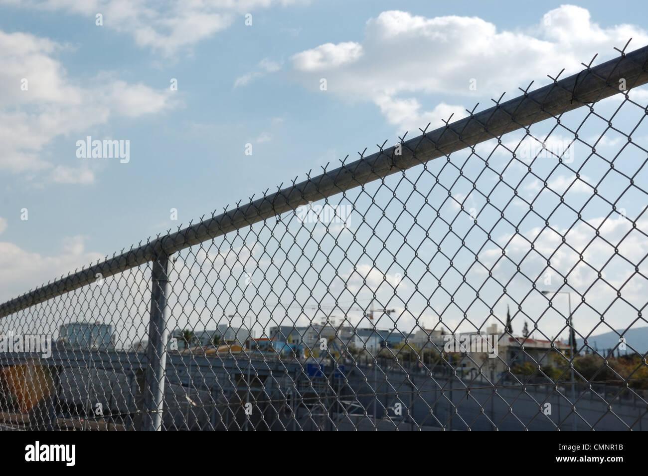 Beste Maschendraht Mit Glas Eingebettet Fotos - Schaltplan Serie ...