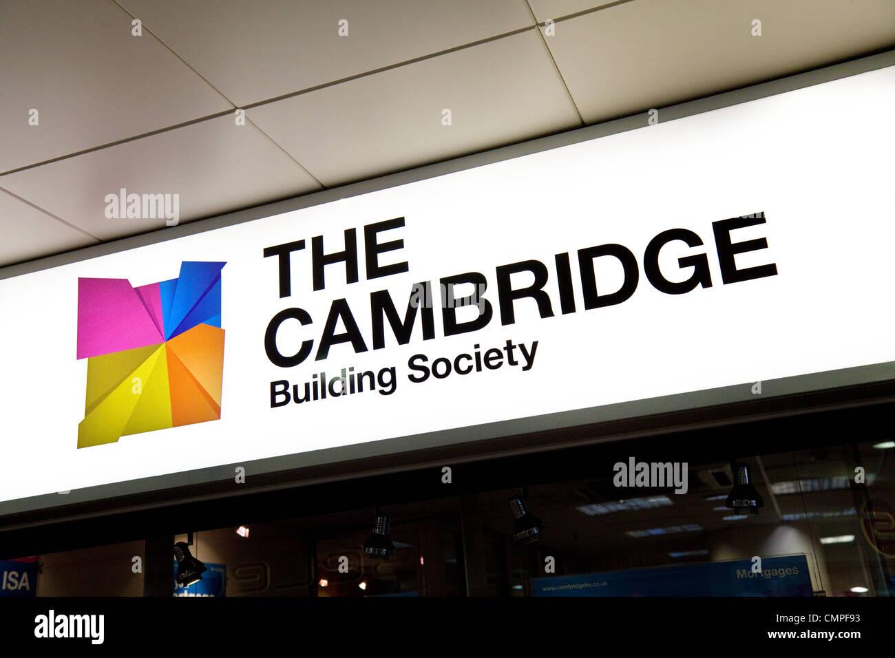 Das Cambridge Bausparkasse Zeichen in seiner Niederlassung Newmarket, Suffolk UK Stockbild