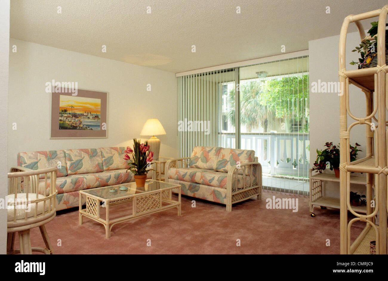 Wand Mobel Wohnzimmer ~ Er jahre wohnzimmer rosa pastell mÖbel wand zu wand teppich