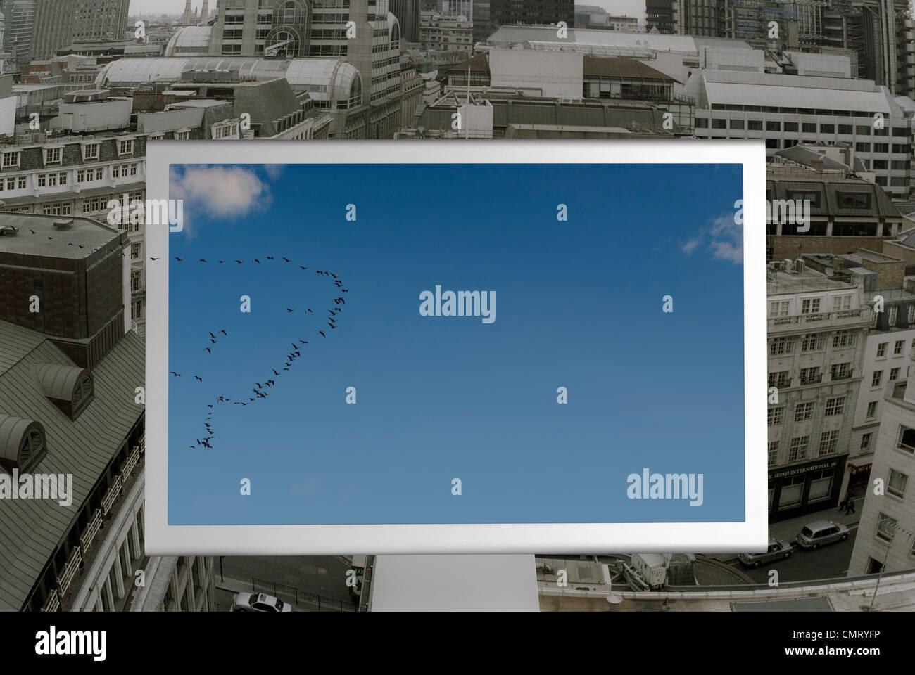 Ein neues Konzept mit neuen Ideen und blauer Himmel denken Stockbild
