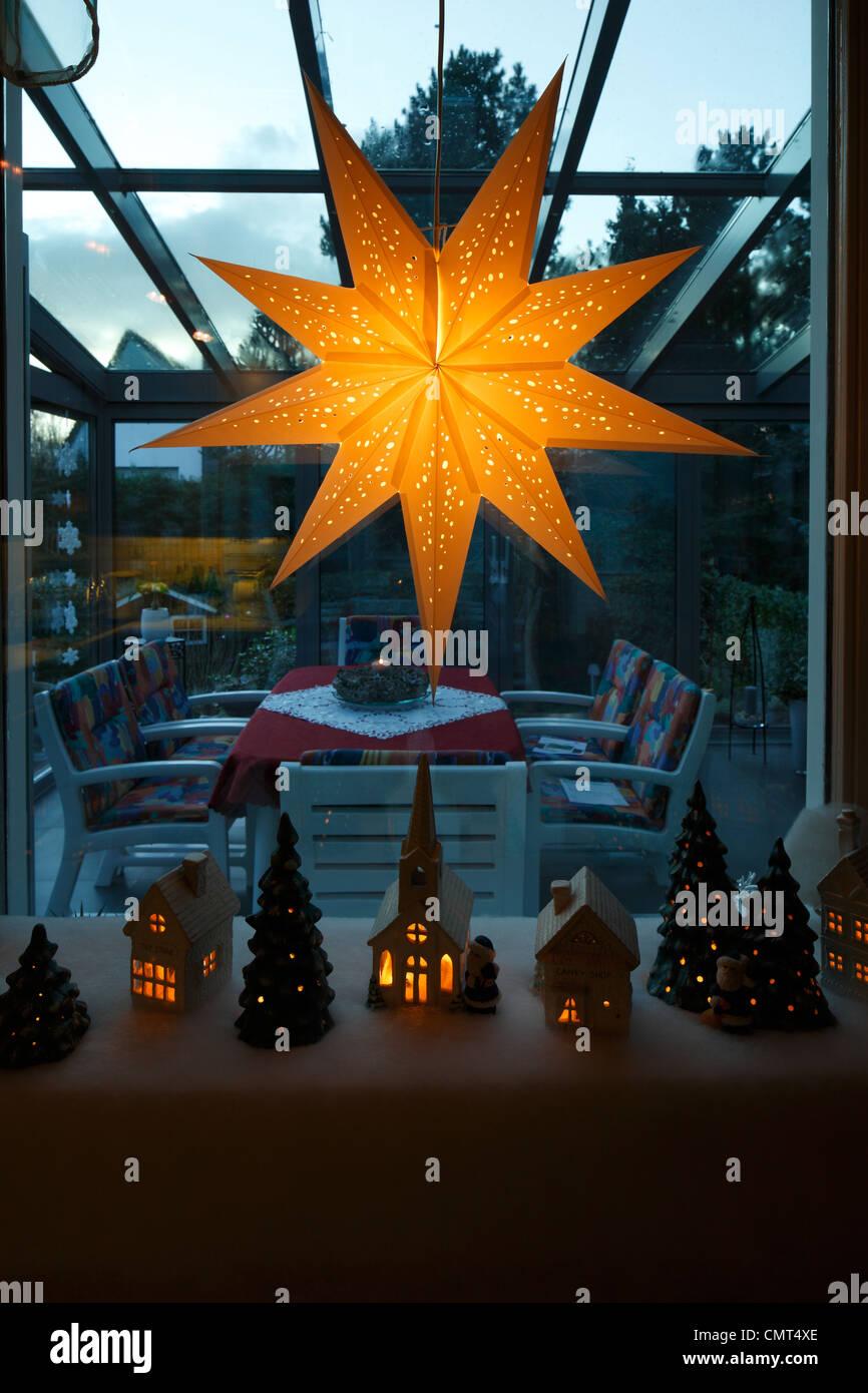 festliche Tage, Advent, Weihnachten, Modellbau, Kirche, Häuser ...