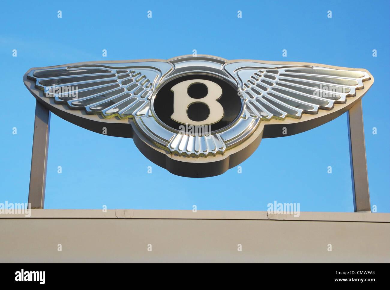 Bentley Auto Unternehmen Marke auf eine Garage redaktionelle Nutzung ...