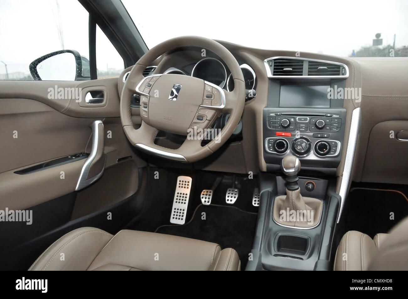 Citroen DS4 1,6 THP - Frère 2011 - weiß - beliebte Kleinwagen ...