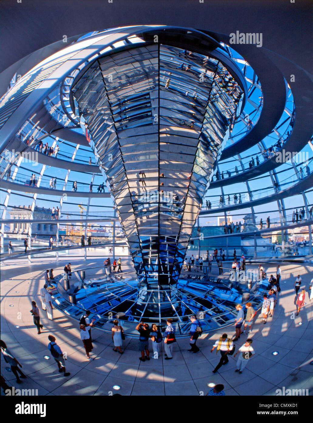 Berlin, Reichstag, Kuppel von Norman Forster, interieur Stockbild