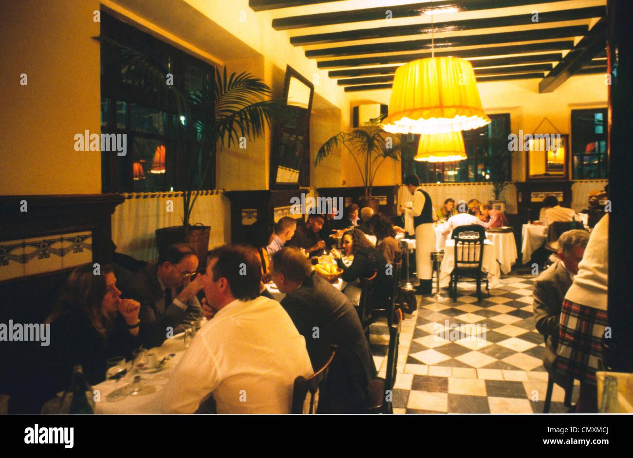 Spanien Barcelona Sete Portes Restaurant interieur Stockbild