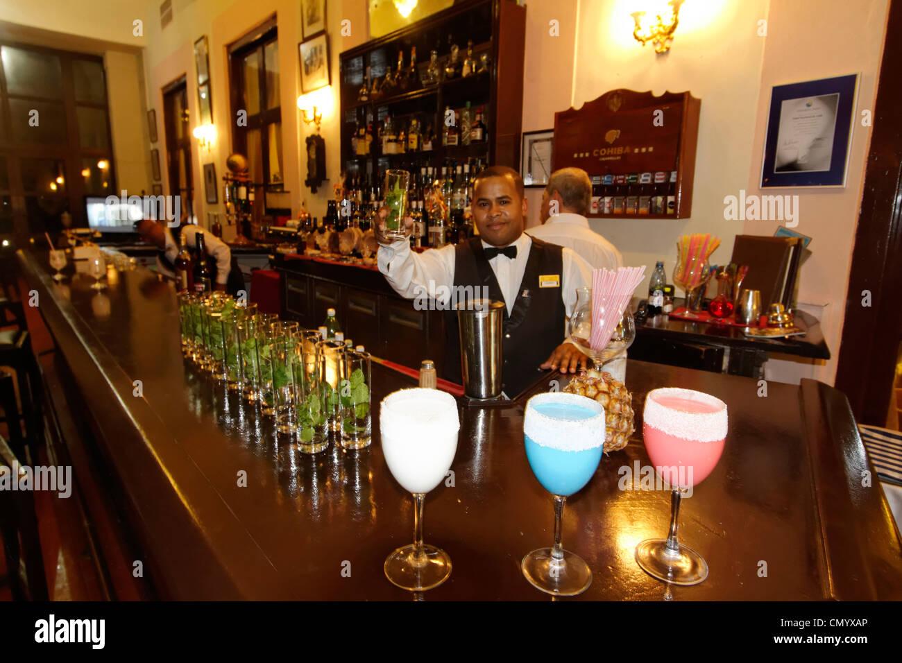 Hotel National Vedado, berühmte Bar, Barkeeper, Frozen Daiquiri, Kuba, große Antillen, Antillen, Karibik, Stockbild
