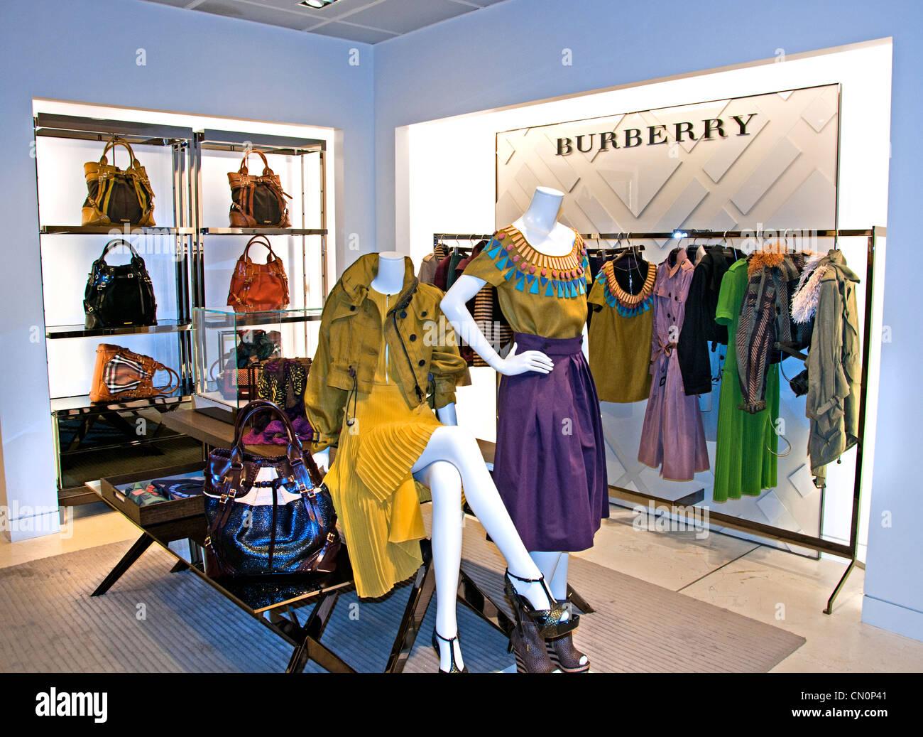 Burberry Le Bon Marché Paris Frankreich Mode-Kaufhaus Stockbild