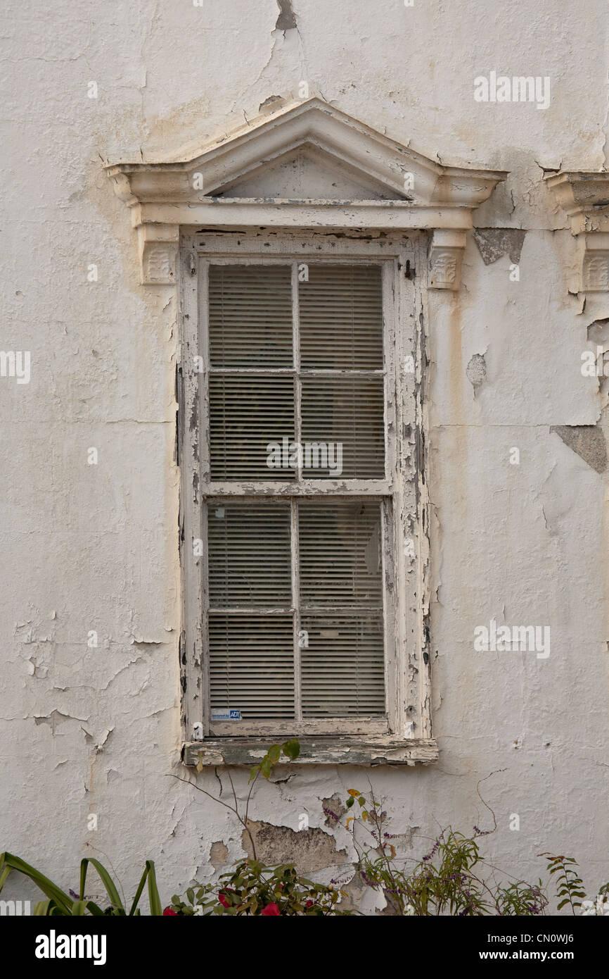 Charleston South Carolina gechipt Farbe alten Haus Fenster Stockbild
