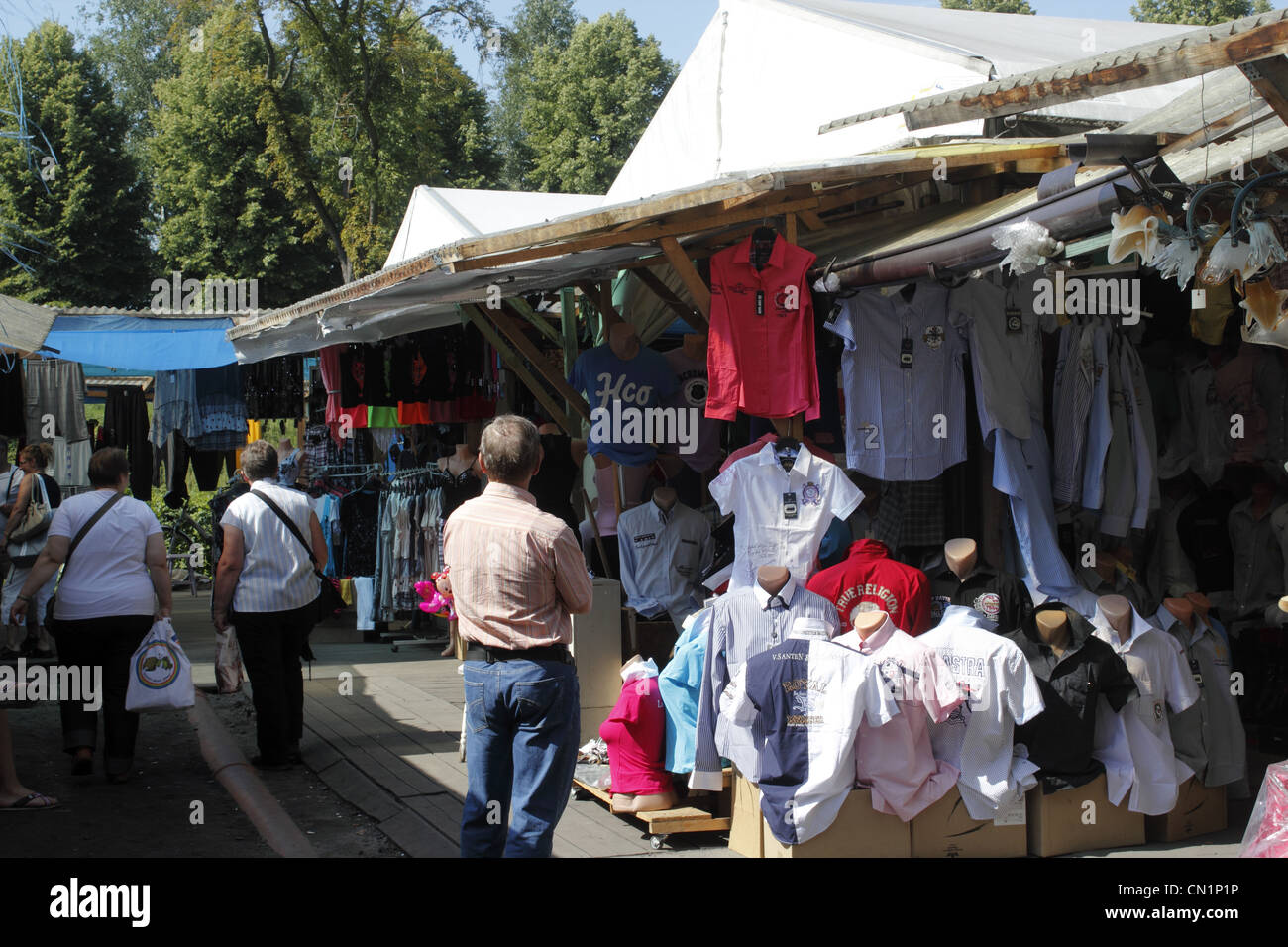poland polen slubice polenmarkt stockfotos poland polen slubice polenmarkt bilder alamy. Black Bedroom Furniture Sets. Home Design Ideas