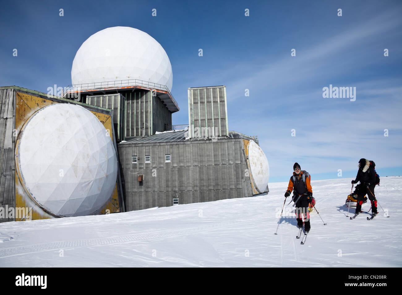 Ehemalige amerikanische kalten Krieges Radarstation, Farbstoff 2 in Grönland Stockbild