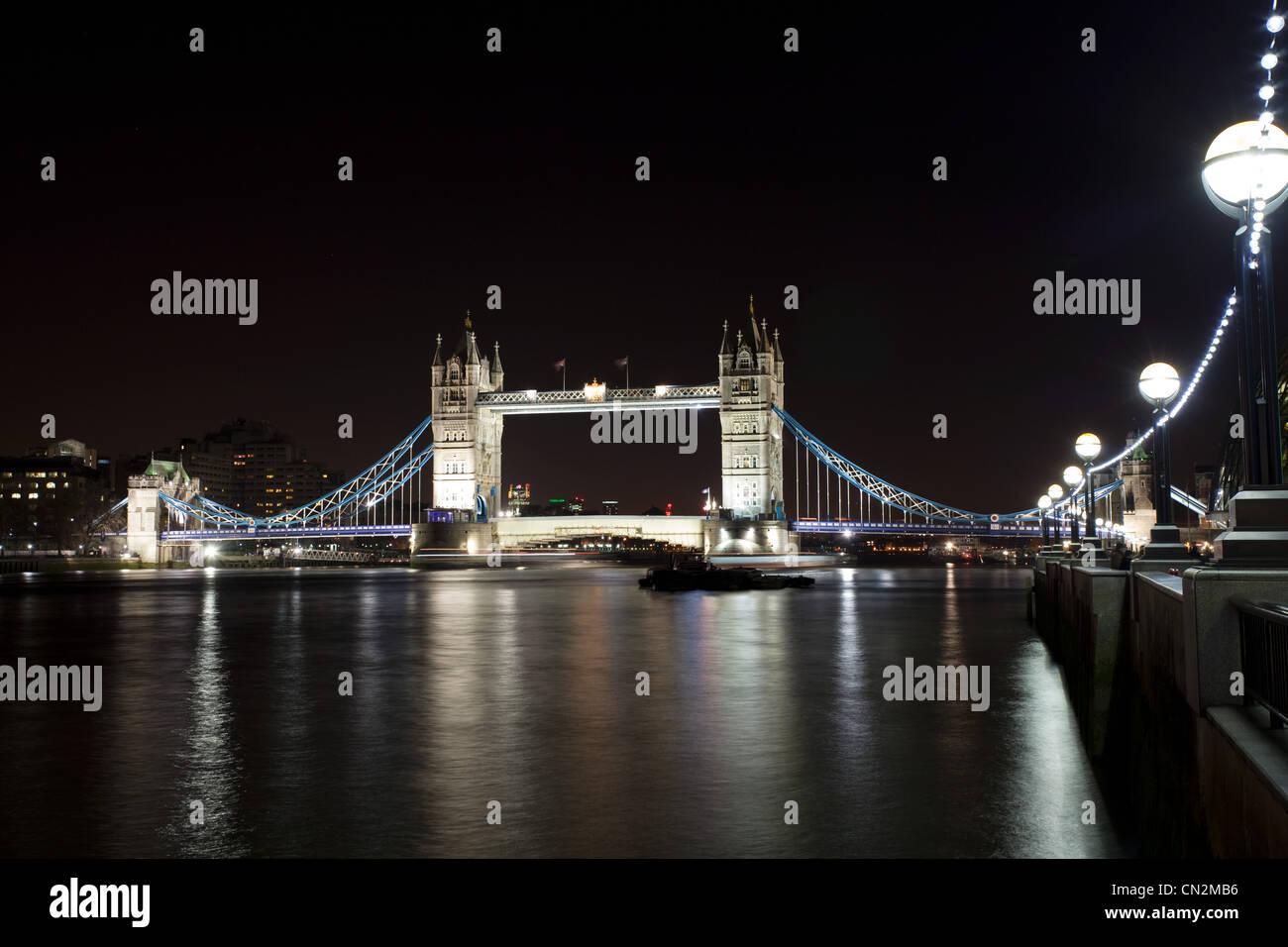 Tower Bridge über die Themse, London, UK Stockbild
