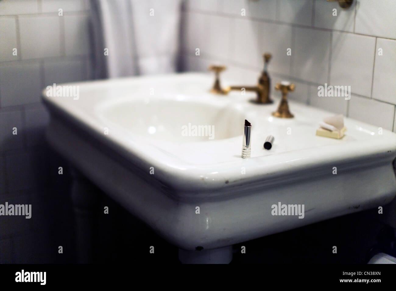 sink stockfotos sink bilder alamy. Black Bedroom Furniture Sets. Home Design Ideas