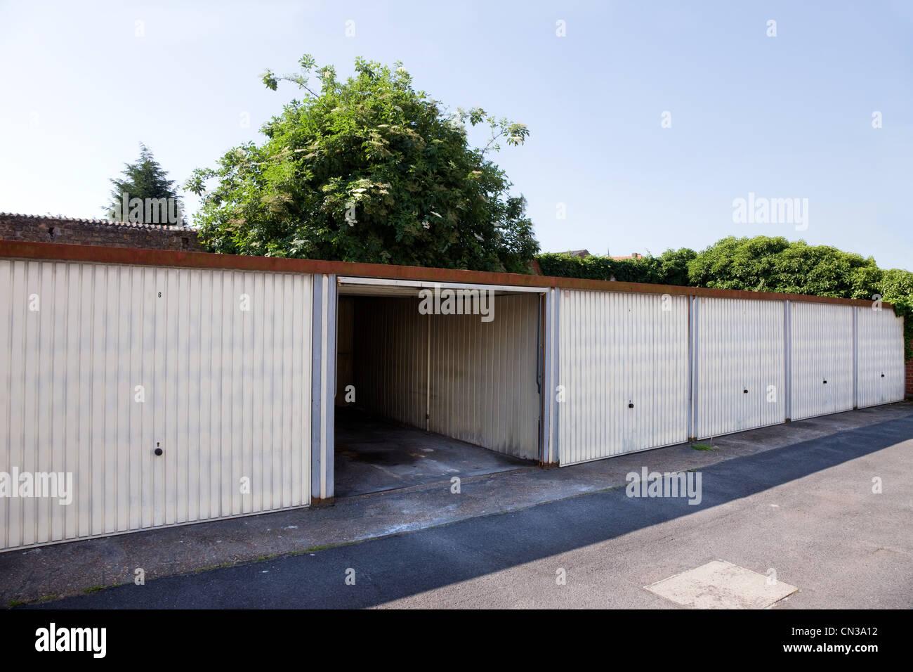 Garage Bilder residential garage stockfotos residential garage bilder alamy