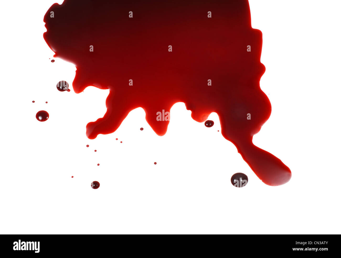 Blut spritzte auf weißen Hintergrund Stockbild