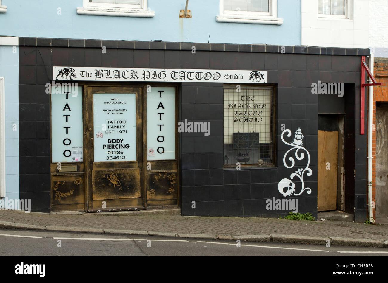 British tattoo stockfotos british tattoo bilder alamy for Tattoo shops in northern va