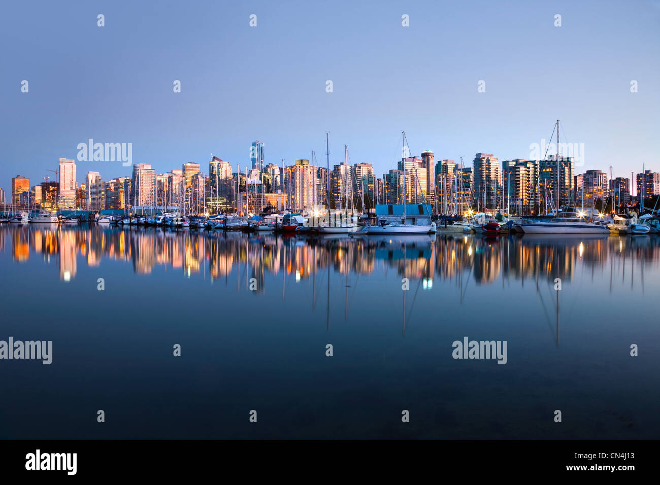 Skyline von Vancouver vom Stanley Park Stockbild