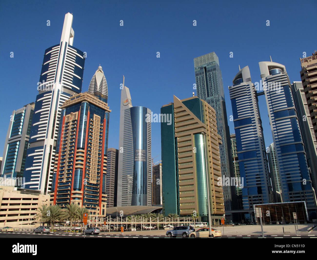 Vereinigte Arabische Emirate, Dubai, das Finanzzentrum mit der Sheikh Zayed Road-Türme Stockbild