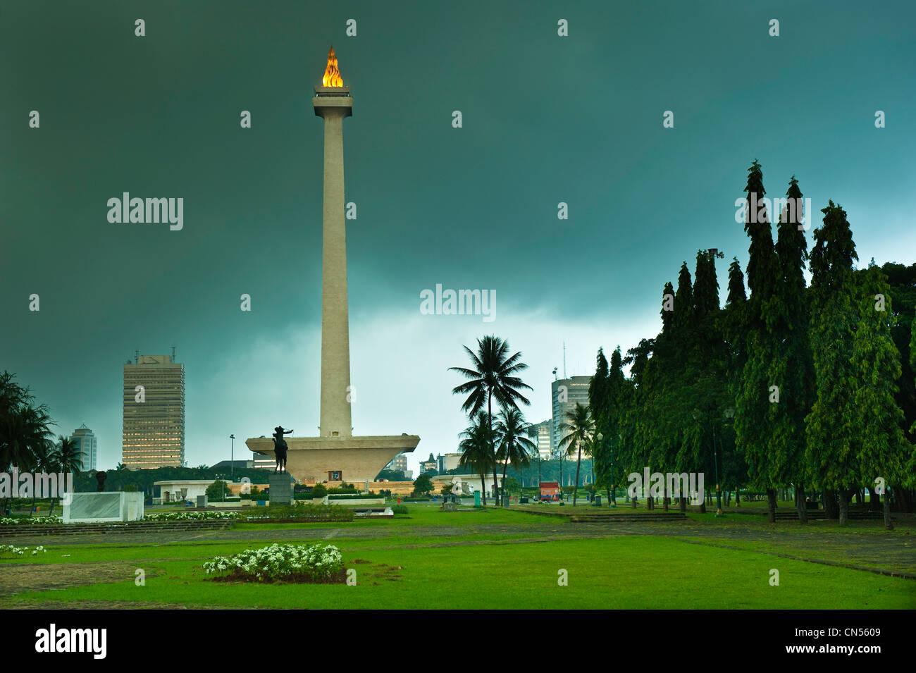 Indonesien, Java, Jakarta, Monas Turm des 137 Meter hohen Flammen bedeckt mit 50 kg Gold, ist die Symbole von den Stockfoto