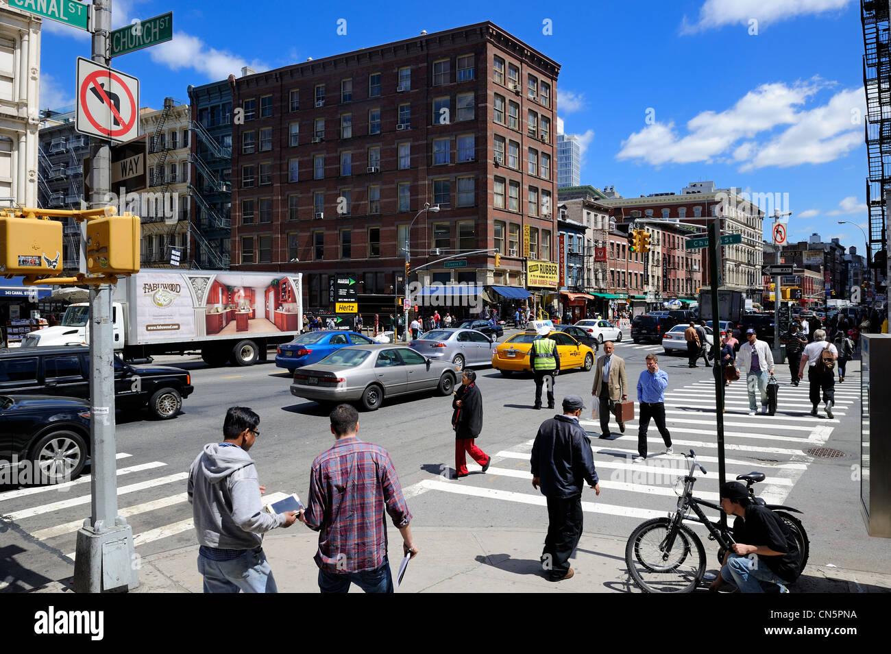 Canal Street, Manhattan, New York City, USA ist das Bindeglied zwischen Tribeca, SoHo und Chinatown Stockbild