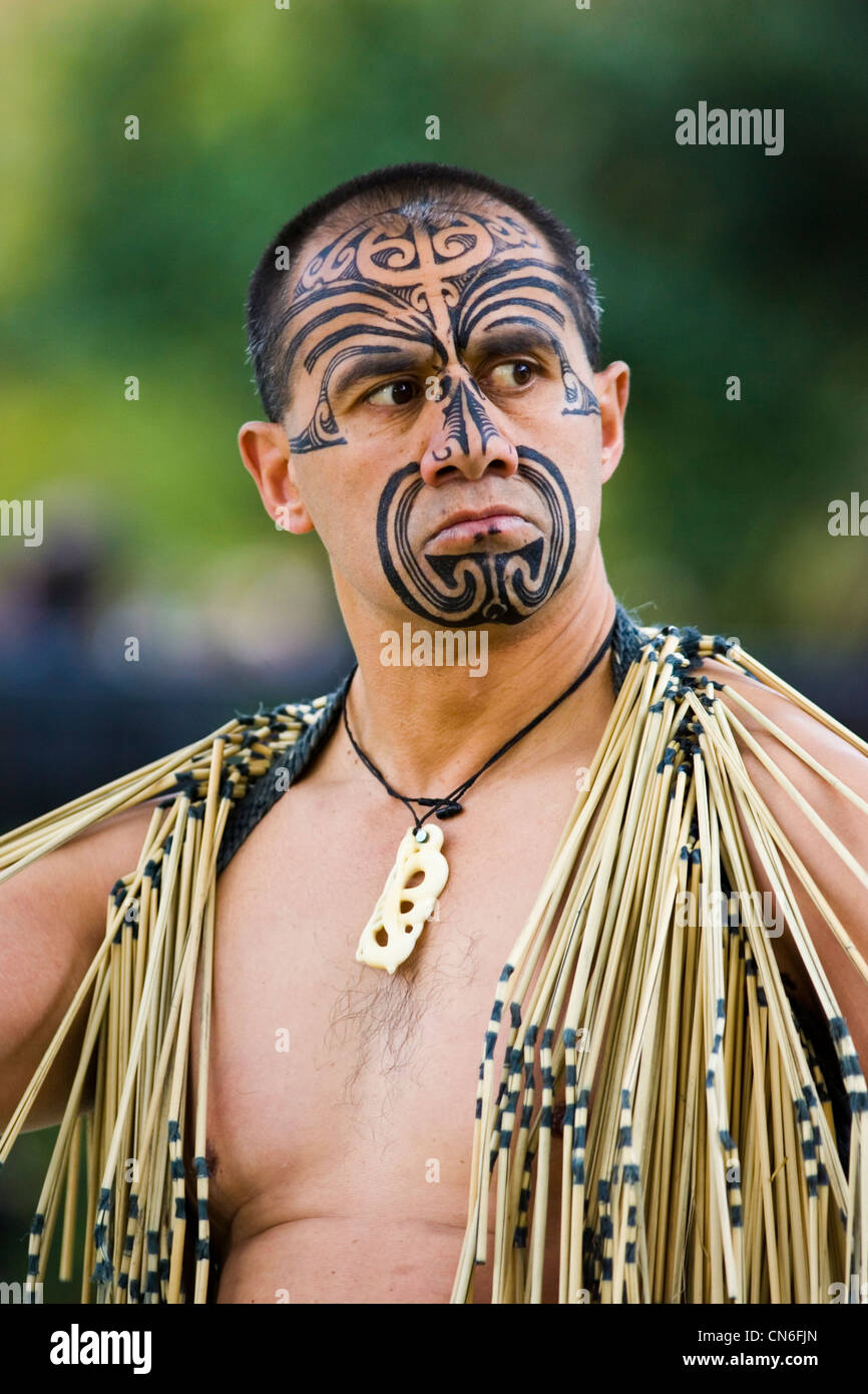 Impressing Maori Krieger Ideas Of Traditionelle Tätowierungen Auf Gesicht Der