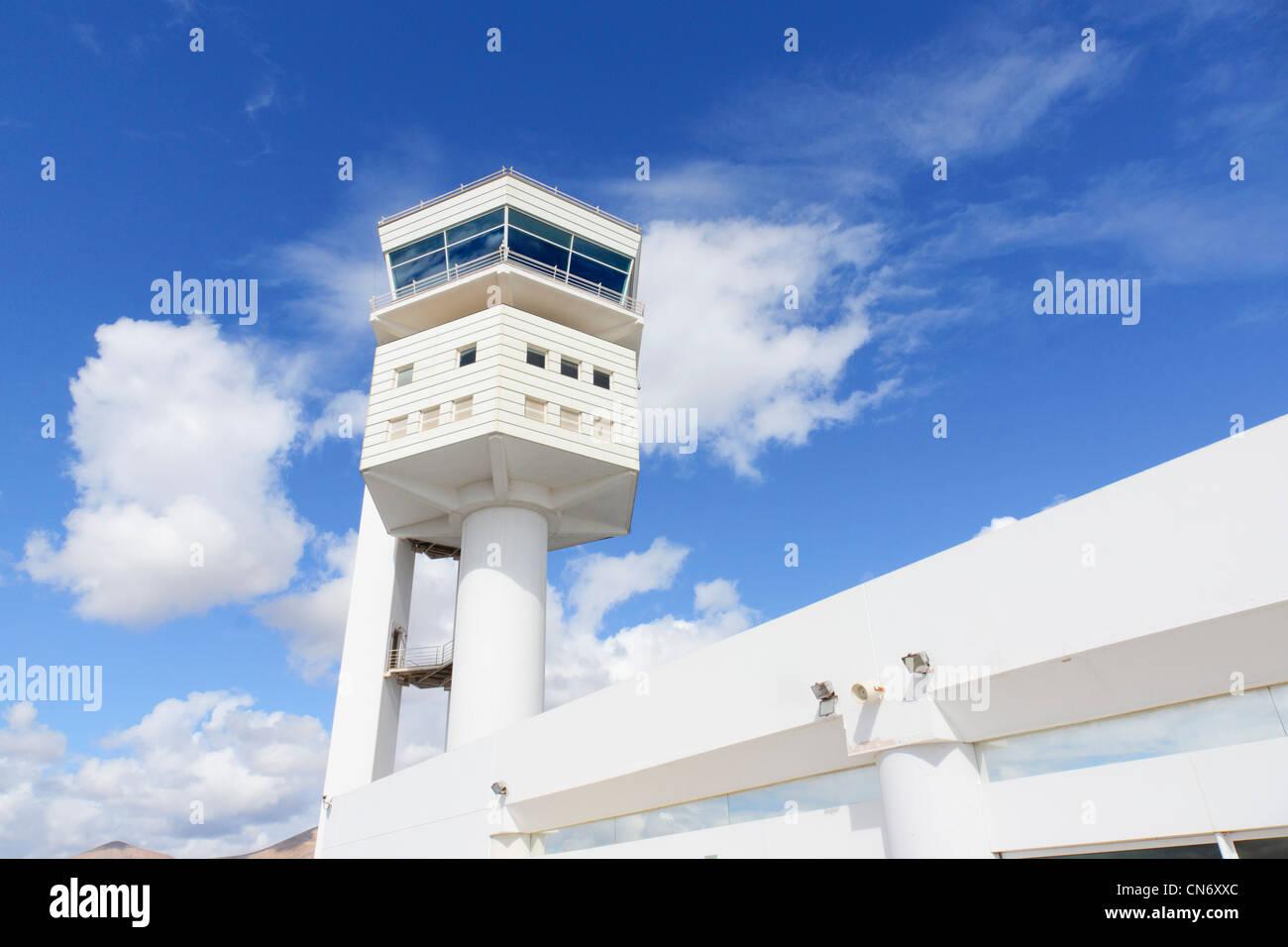 Lanzarote, Kanarische Inseln - Flughafen Arrecife. Air Traffic Control Tower. Stockbild