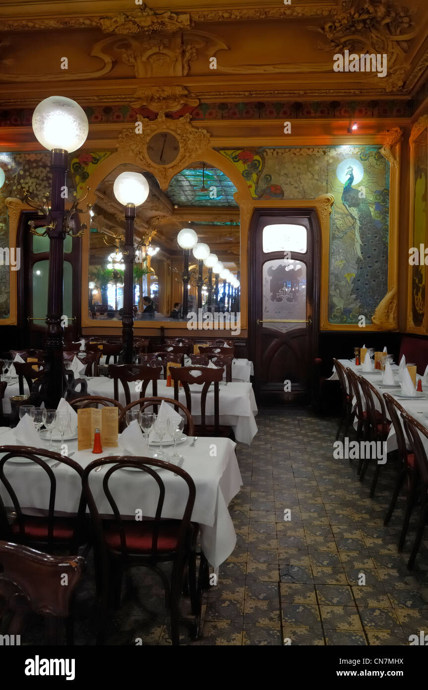 Art Deco Restaurant Chez Julien Stockfotos & Art Deco Restaurant ...