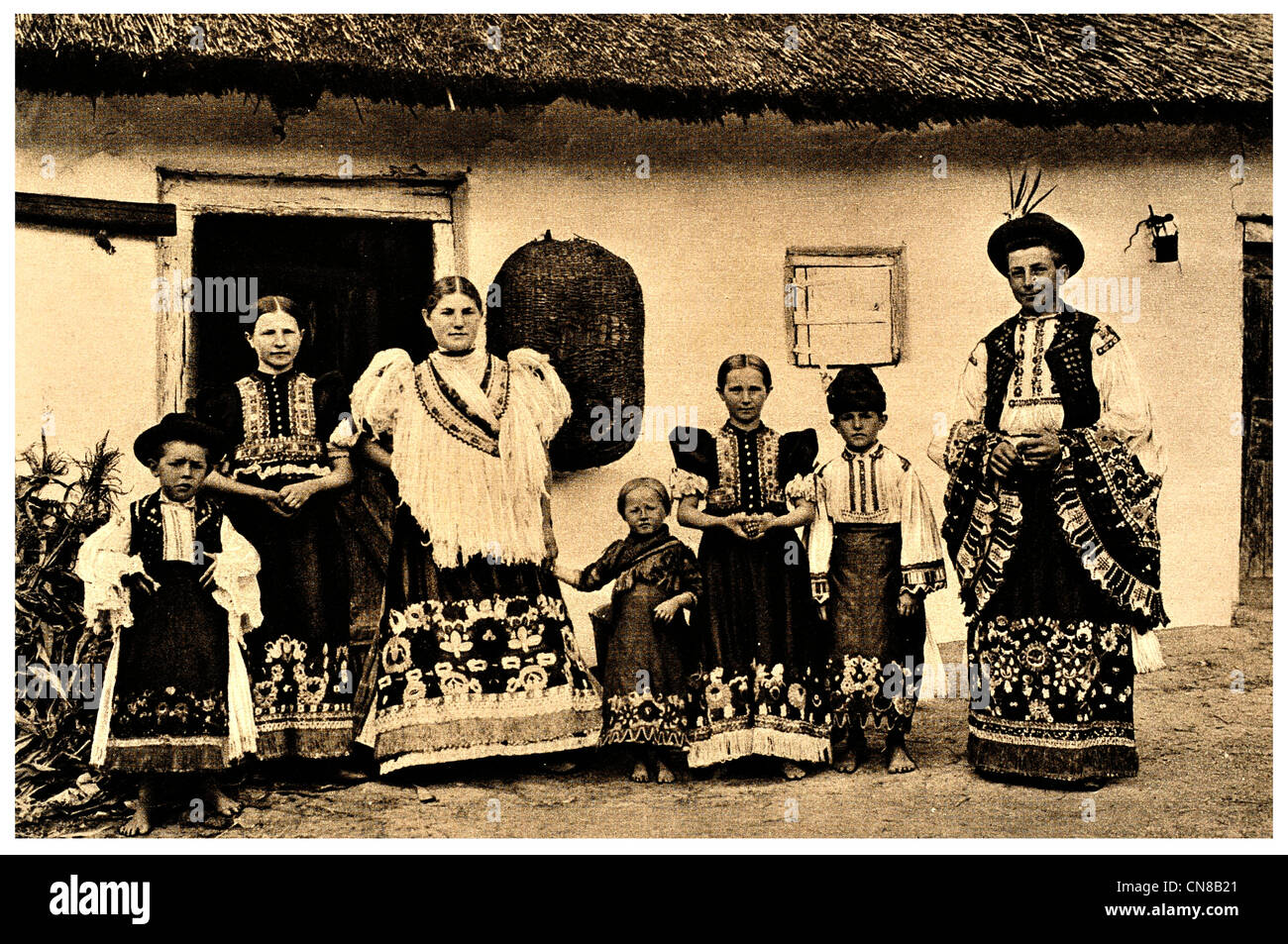 ungarische tracht stockfotos und bilder kaufen  alamy