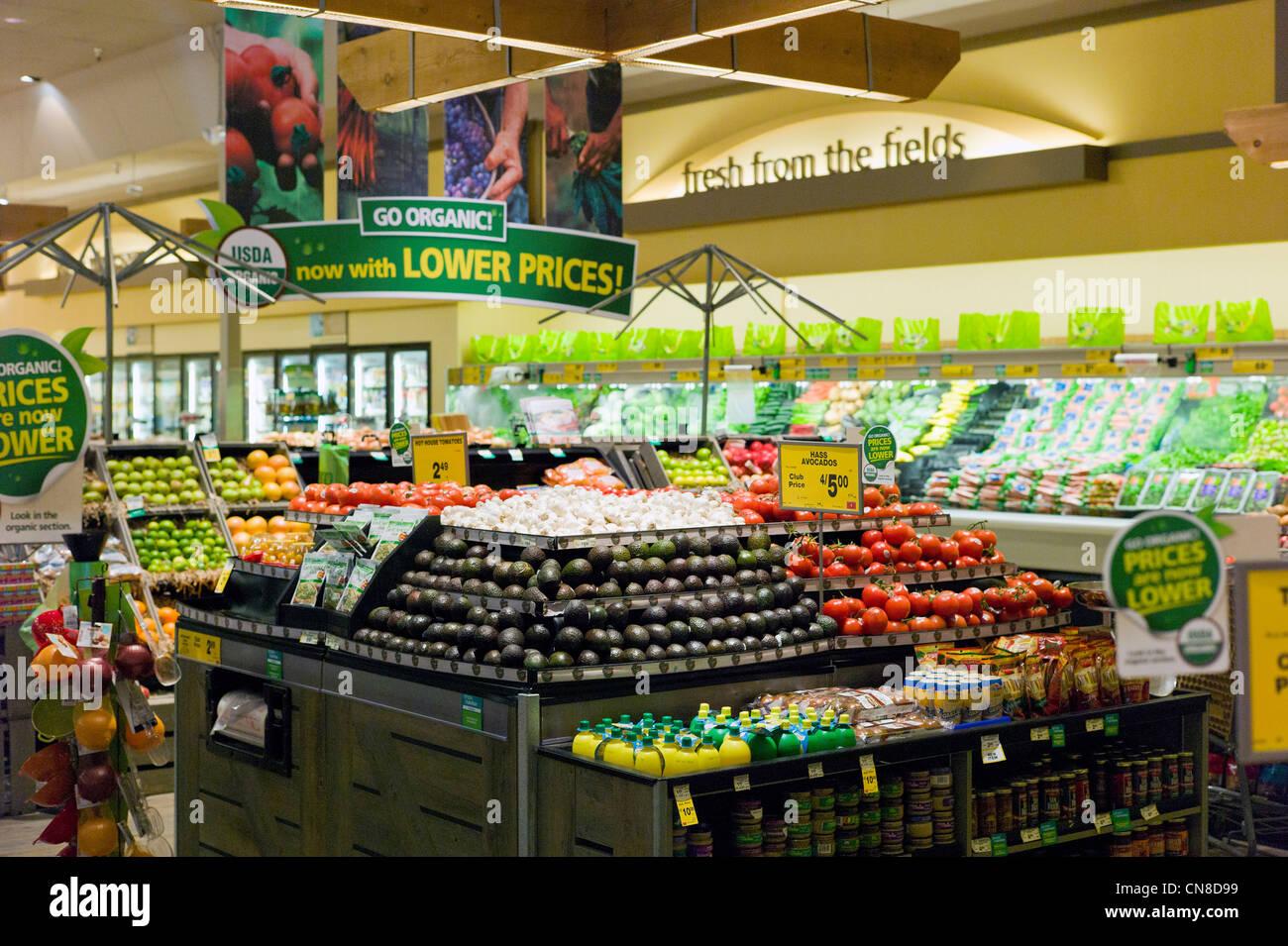 Frischwaren & Gemüse Abschnitt an einem Safeway-Supermarkt, Salida, Colorado, USA Stockbild