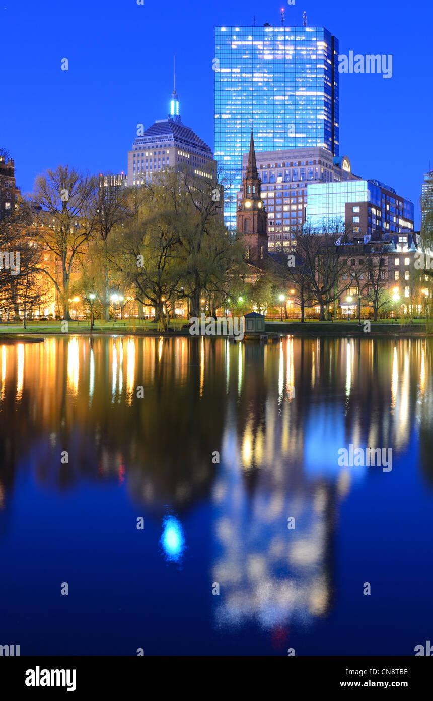 Skyline von Boston, Massachusetts von der Boston Public Gardens. Stockbild