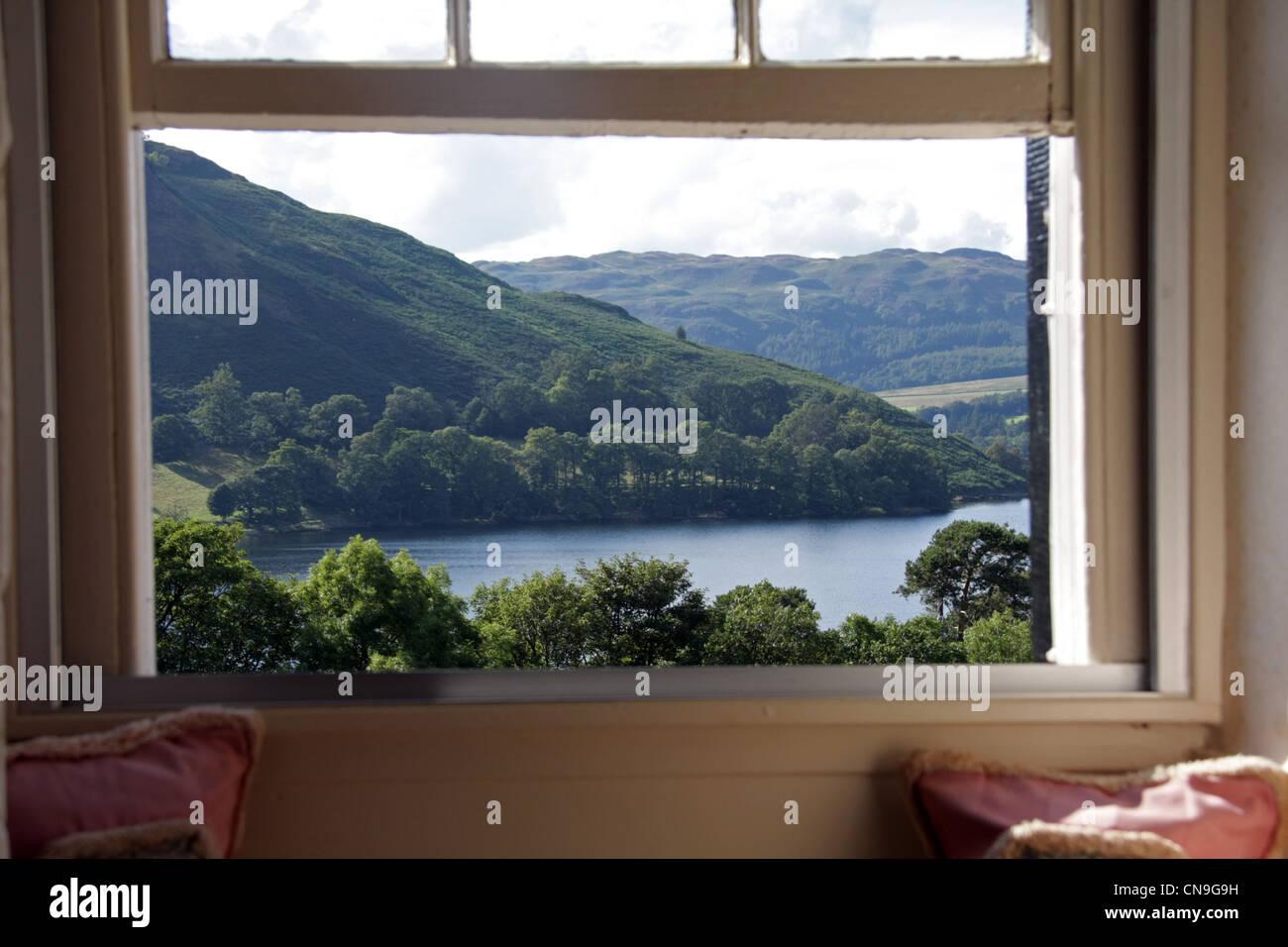 """Fenster """"Bild"""" Blick auf Lake Ullswater Stockbild"""