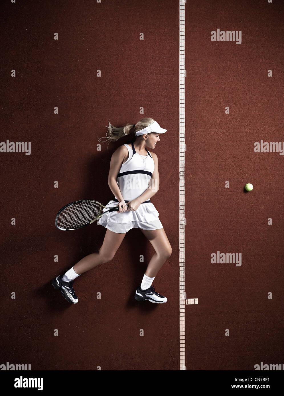 Verlegung auf Gericht Tennisspieler Stockbild