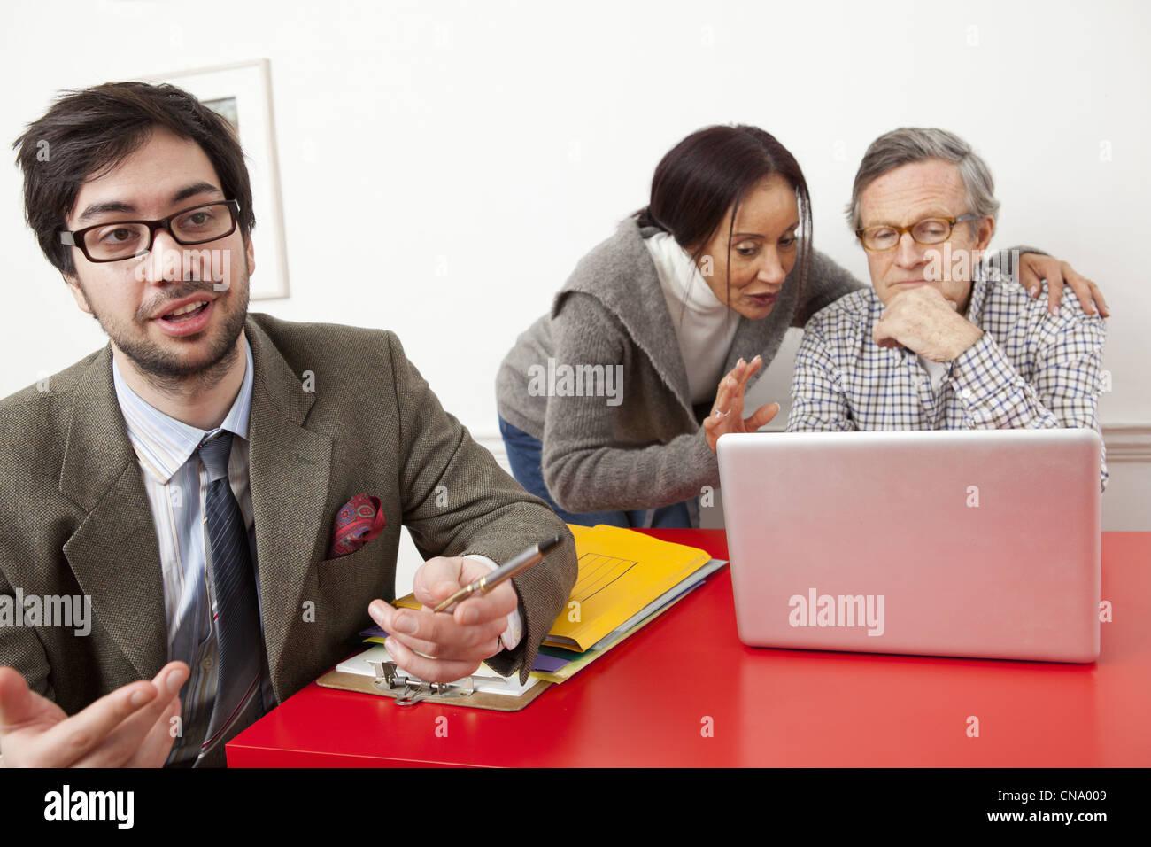 Business Leute, die im Büro Stockbild