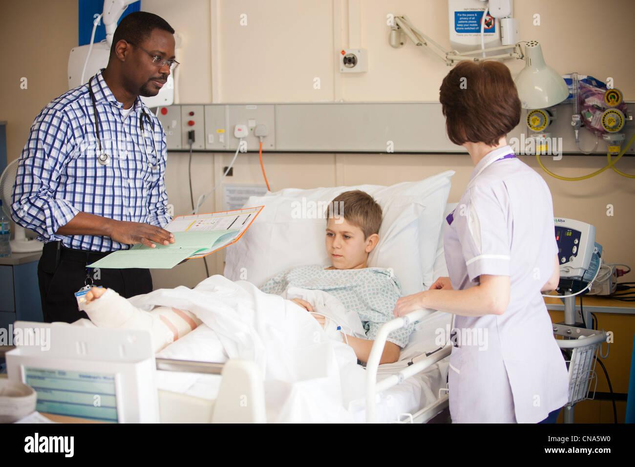 Ziemlich Cna Krankenhaus Bilder - Menschliche Anatomie Bilder ...
