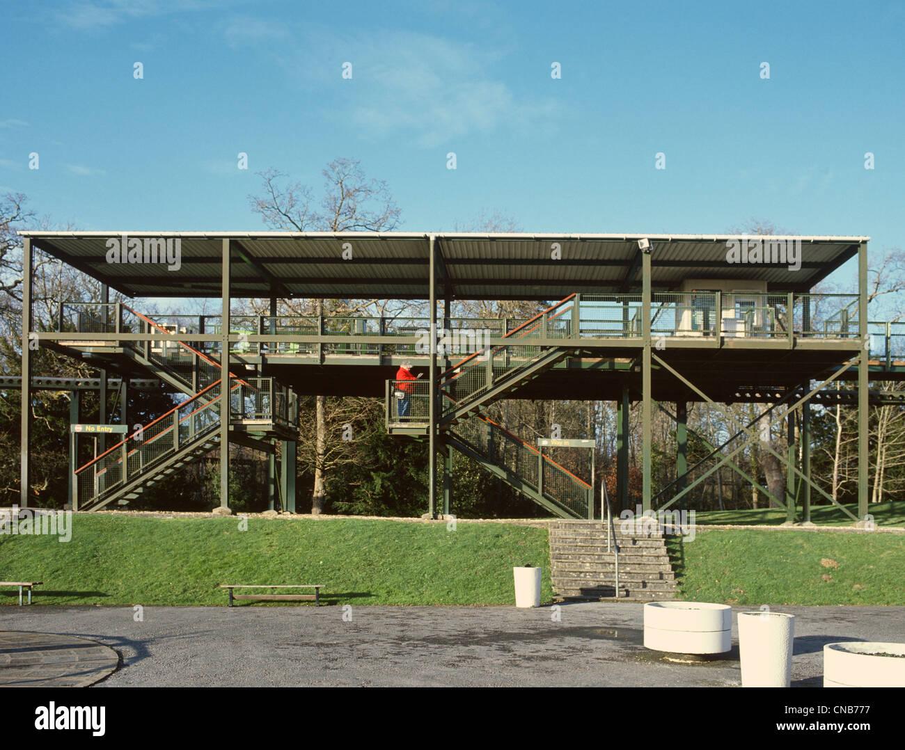 National Motor Museum in Beaulieu Hampshire erhöhte Monorail-Station Stockbild