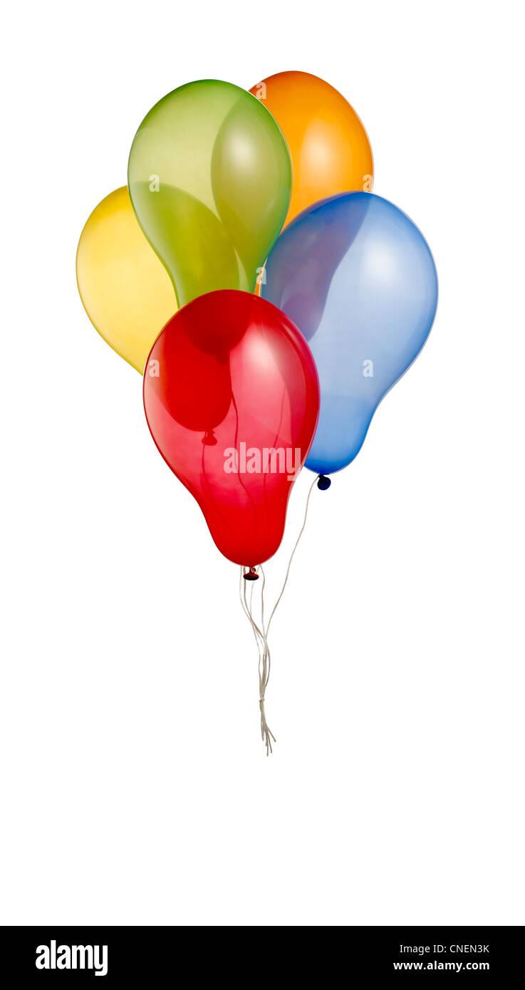 eine Reihe von bunten Heliumballons isoliert auf weiss mit Beschneidungspfad Stockbild