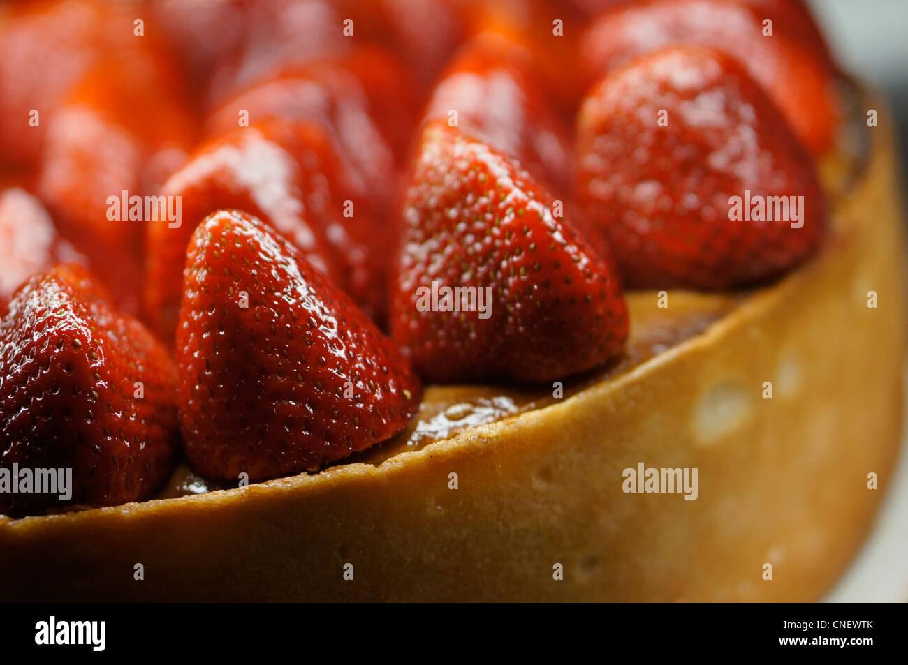 Strawberry Cheesecake, Kuchen mit ganzen Erdbeeren Stockbild