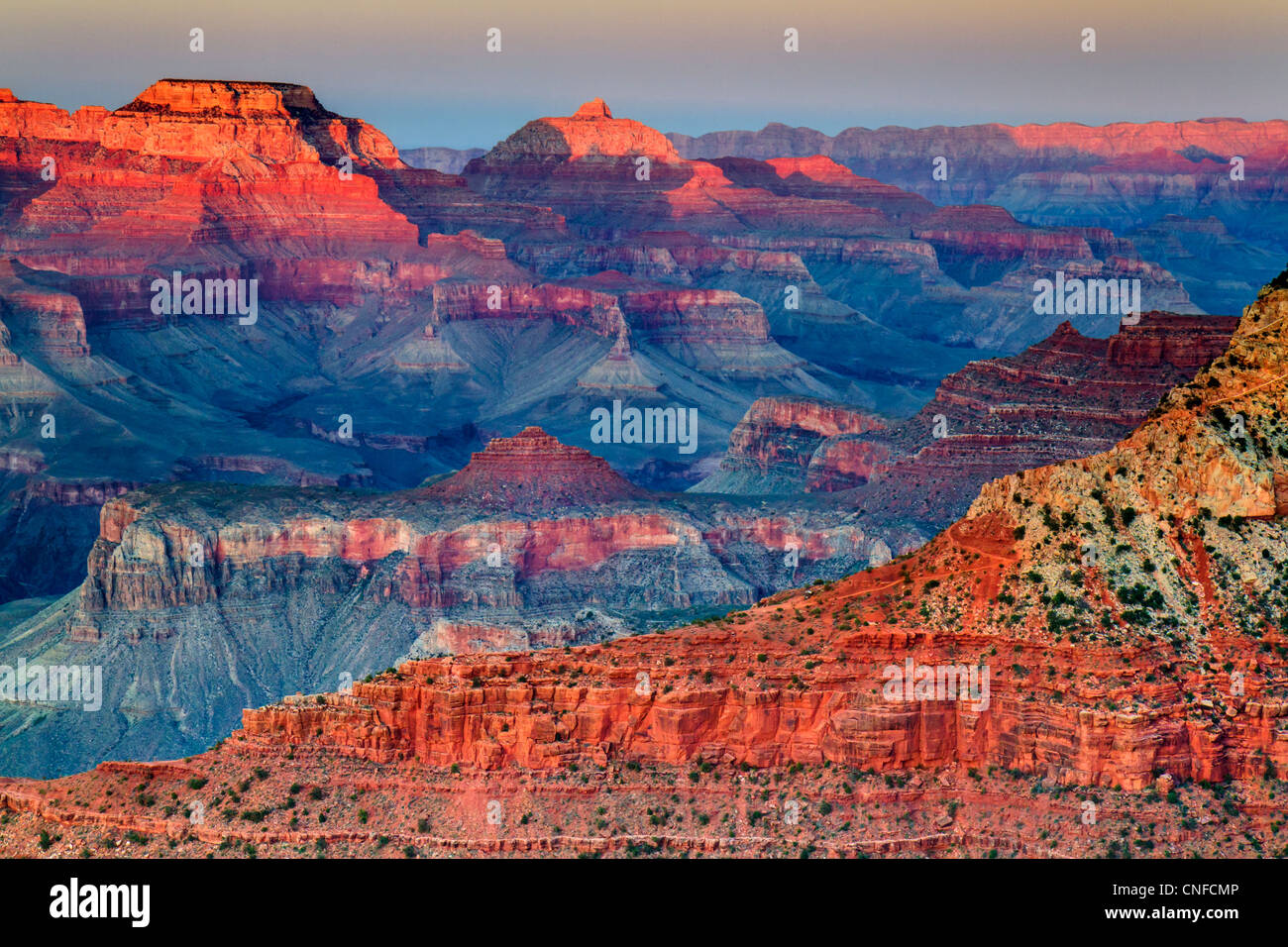 Sonnenuntergang auf Mutter Punkt, South Rim, Grand Canyon National Park (Arizona, USA). HDR-Technik. Stockfoto