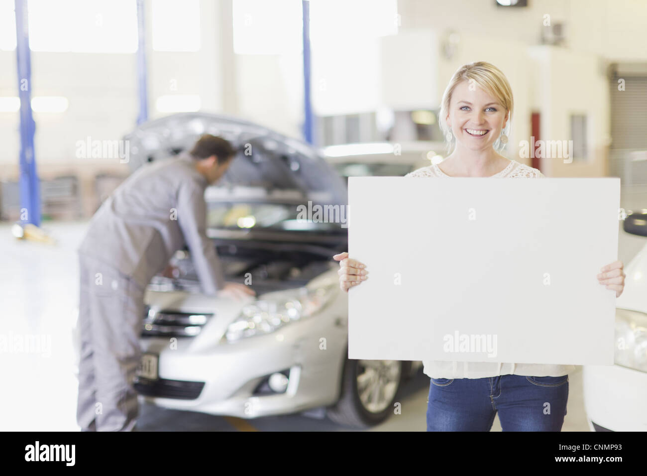 Garage Sign Auto Repair Stockfotos & Garage Sign Auto Repair Bilder ...