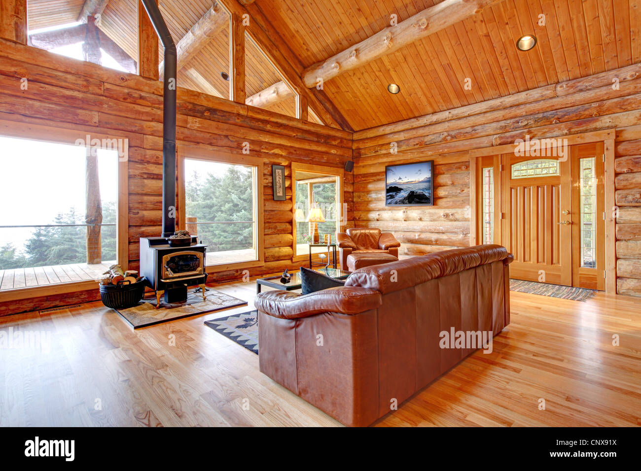 gro en luxus blockhaus haus wohnzimmer mit gro en fenstern stockfoto bild 47906374 alamy. Black Bedroom Furniture Sets. Home Design Ideas
