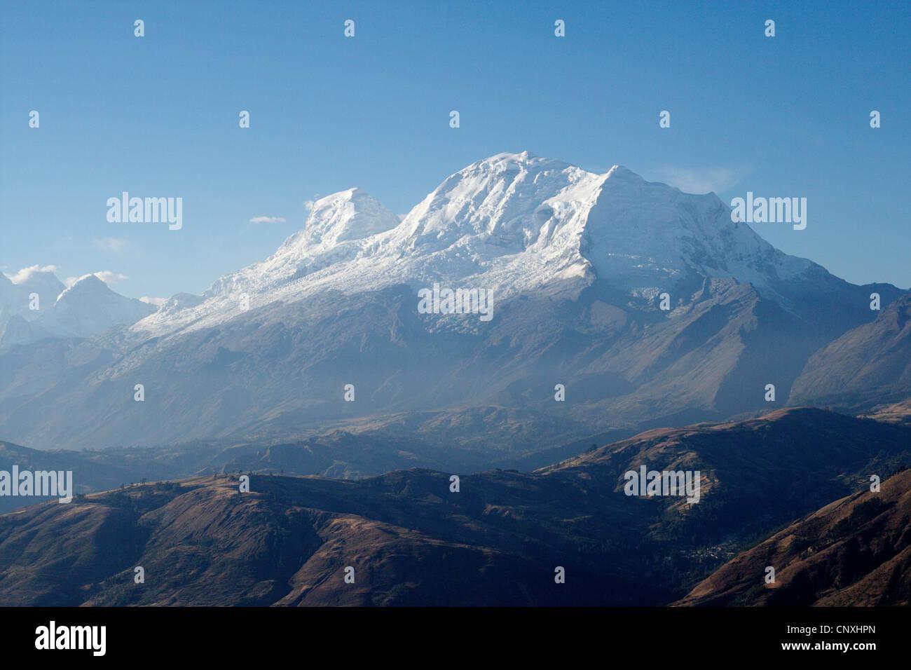 Cordillera Blanca mit den Gipfel des Mount Huascar n (6768 m), Peru Stockbild