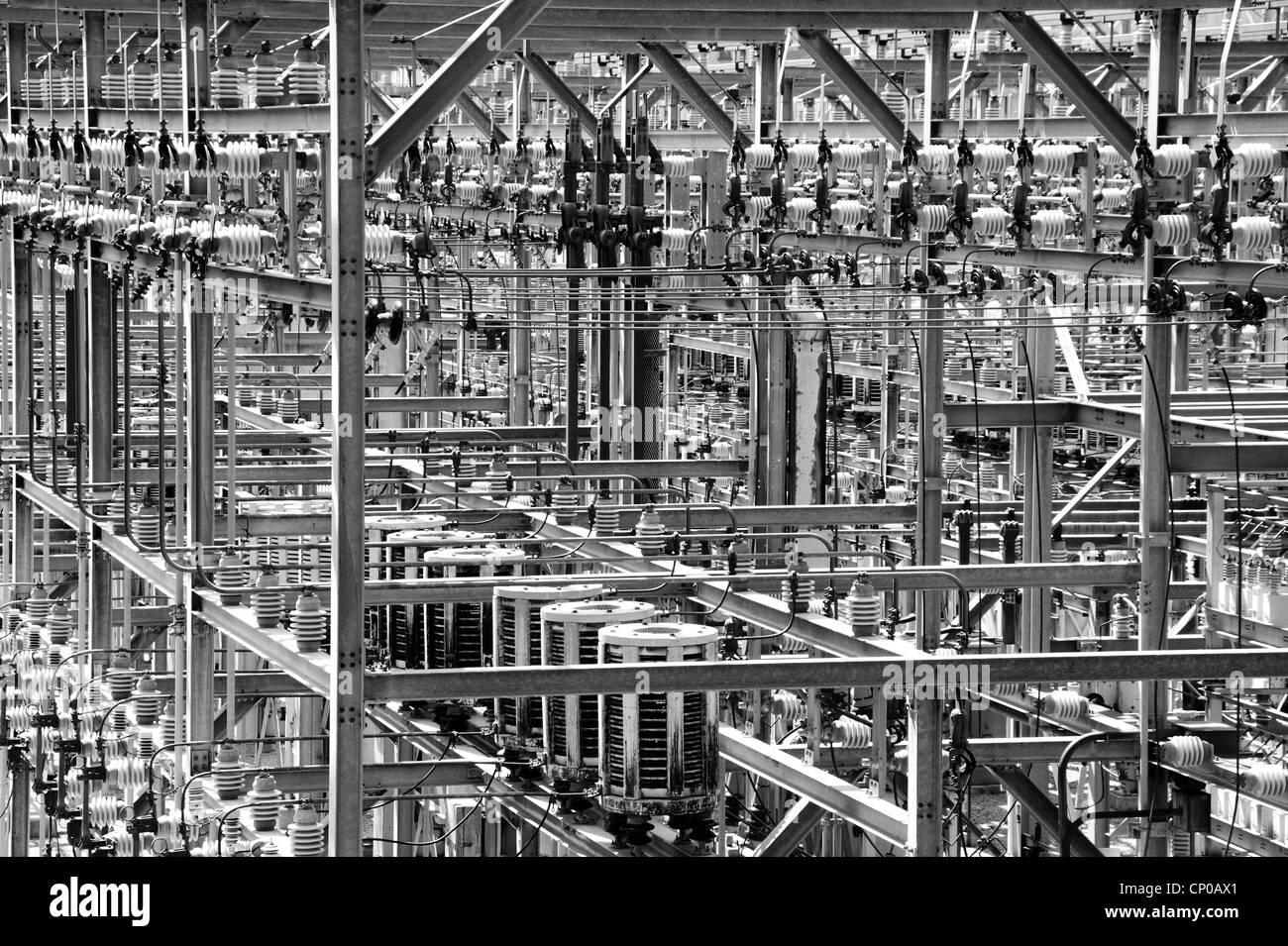 Detail von elektrischen Stromverteilersystemen im Raster Stockbild