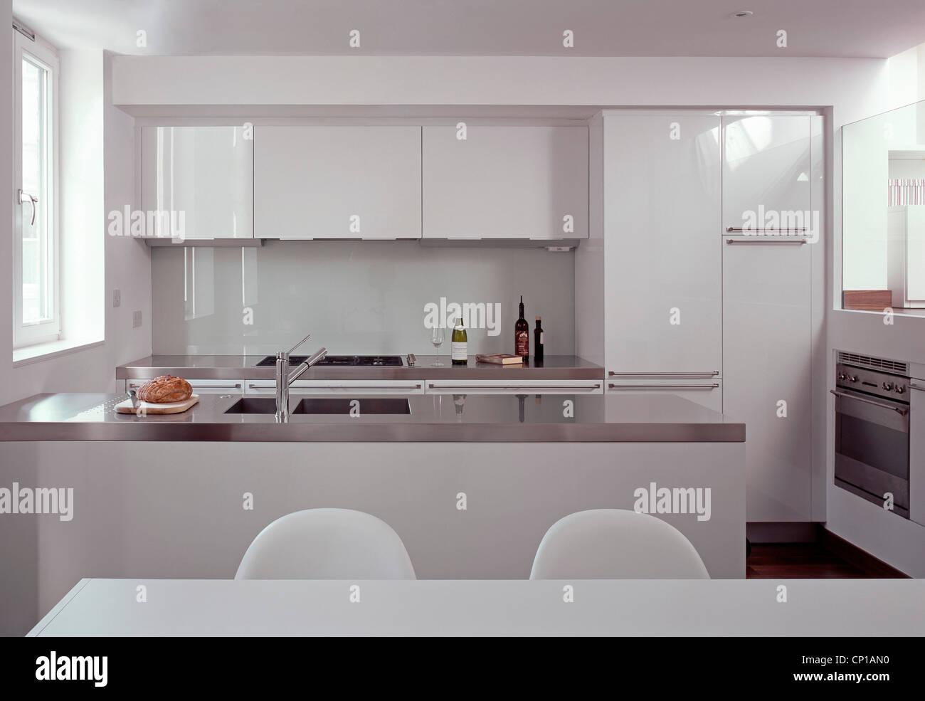 London Modern Kitchen Stockfotos & London Modern Kitchen Bilder ...