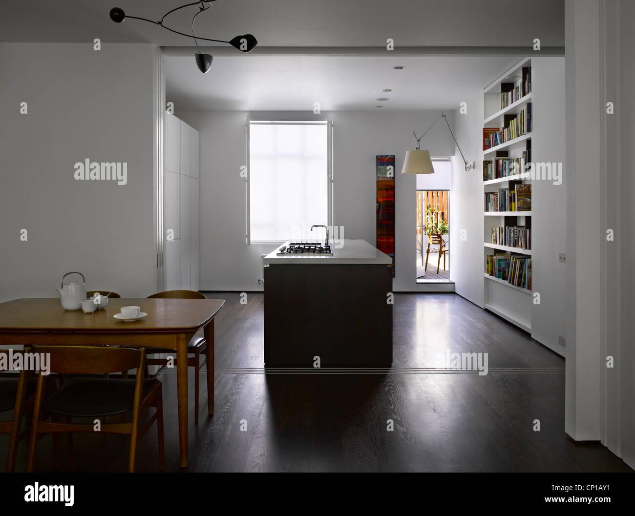 Offene Küche und Esszimmer mit Schiebetüren, Bayswater, London, UK ...