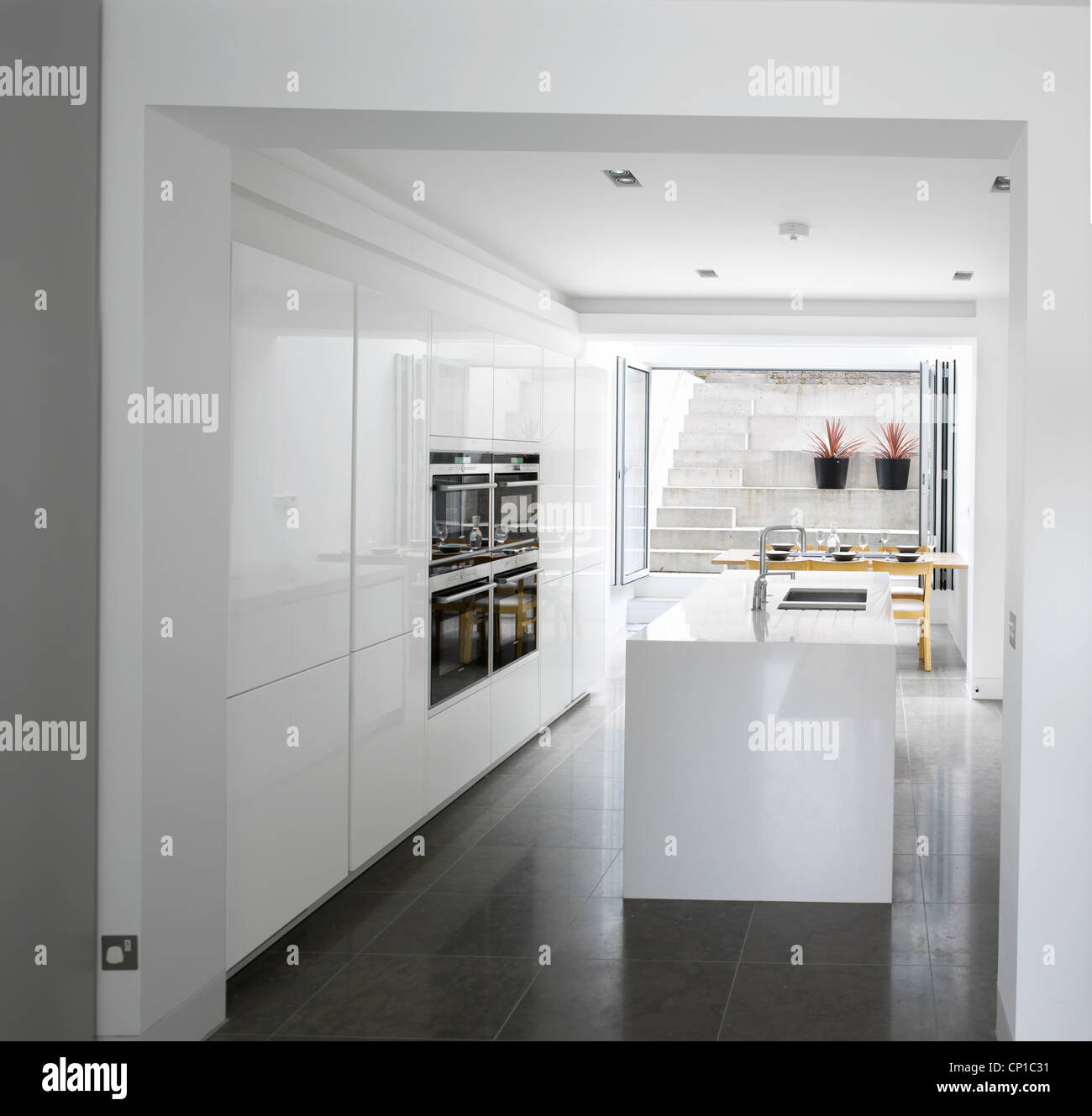 Basement Kitchen Stockfotos & Basement Kitchen Bilder - Seite 2 - Alamy